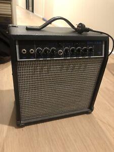 Guitar amp DH-35B