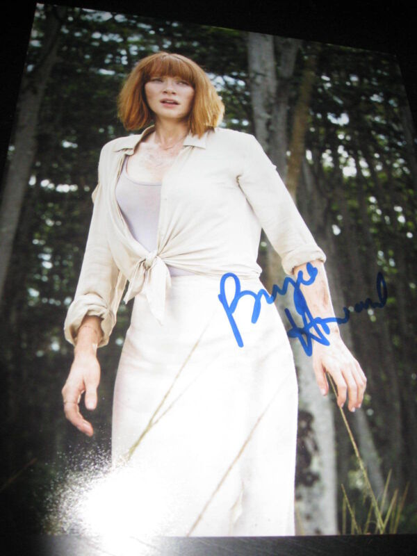 BRYCE DALLAS HOWARD SIGNED AUTOGRAPH 8x10 JURASSIC WORLD ACTION SHOT RARE COA D