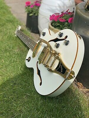 Epiphone Wilkat Royale With Bigsby - Pearl White - Electric Guitar