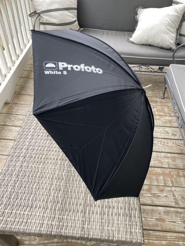 "Profoto White Umbrella, Small, 30""Brand New"