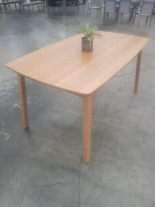 NEW RETRO STYLE 6 SEATER DINING TABLE