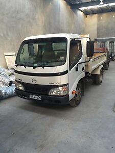 Hino dutro tipper truck Newtown Geelong City Preview