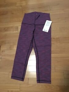 Lululemon crops, roll down, NEW, size 6.