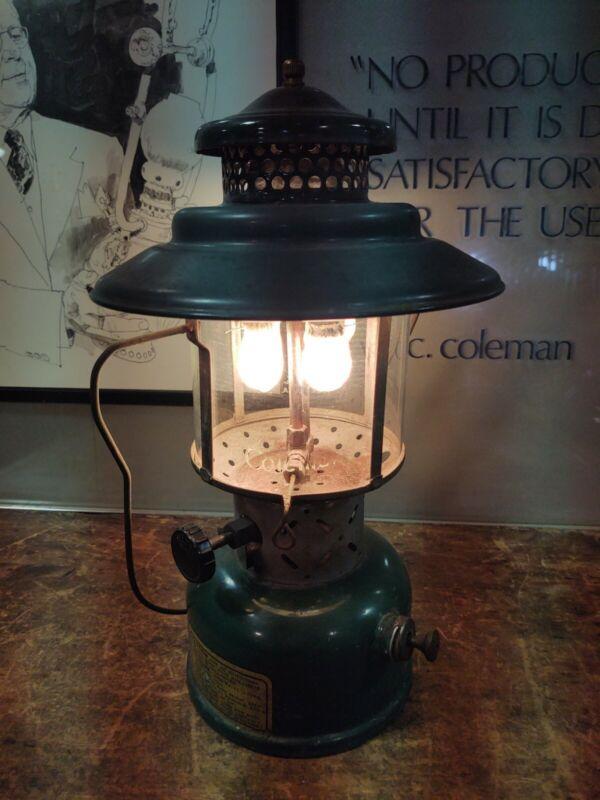 Vintage 1946 Coleman 228C Dual Mantle Lantern Dated B/46 Tested Works