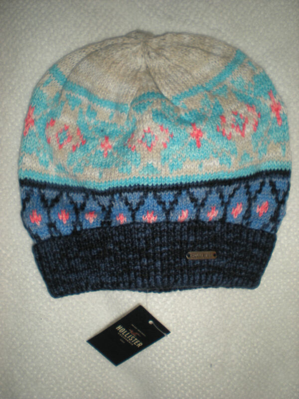 NWT HOLLISTER  SOFT COLORFUL VINTAGE KNIT CLASSIC WINTER BEANIE HAT