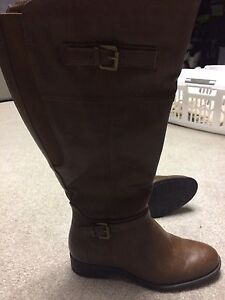 Woman's brown boots