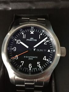 Fortis B-42 Pilot Professional 200M Day Date 645.10.11M avail