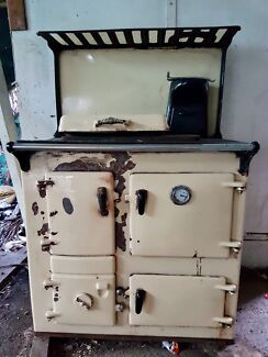 Rayburn Woodfired/combustion stove