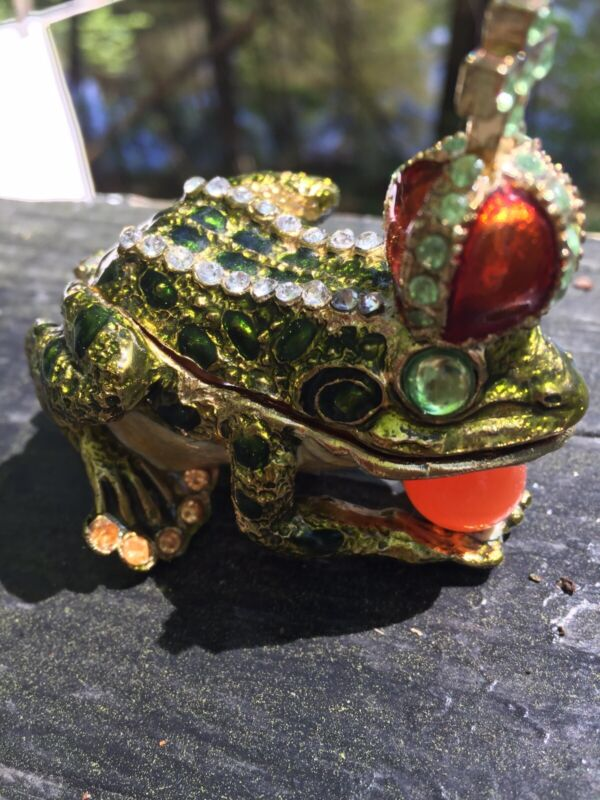 Crowned  FROG Limoge style enameled and bejeweled metal trinket box !