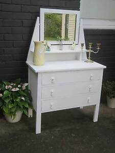 Vintage 1940's dresser with mirror Seaforth Manly Area Preview