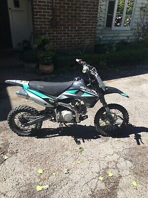 Super Stomp 120R 2018 Pit Bike (Hardly used, Black, white, green,)(Collect)