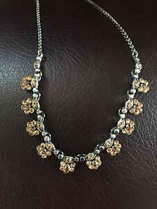 Flower necklace brand-new