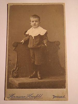 Dresden - stehender Junge im Anzug - Portrait / CDV