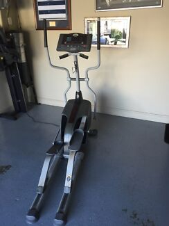 Cross Trainer - Horizon Fitness Elliptical  Kingscliff Tweed Heads Area Preview