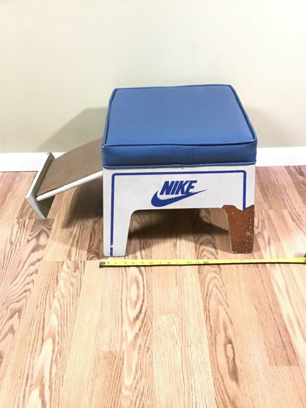 VTG Rare NIKE RETAIL SHOE TRY ON FOOT STOOL Padded Shoe Store