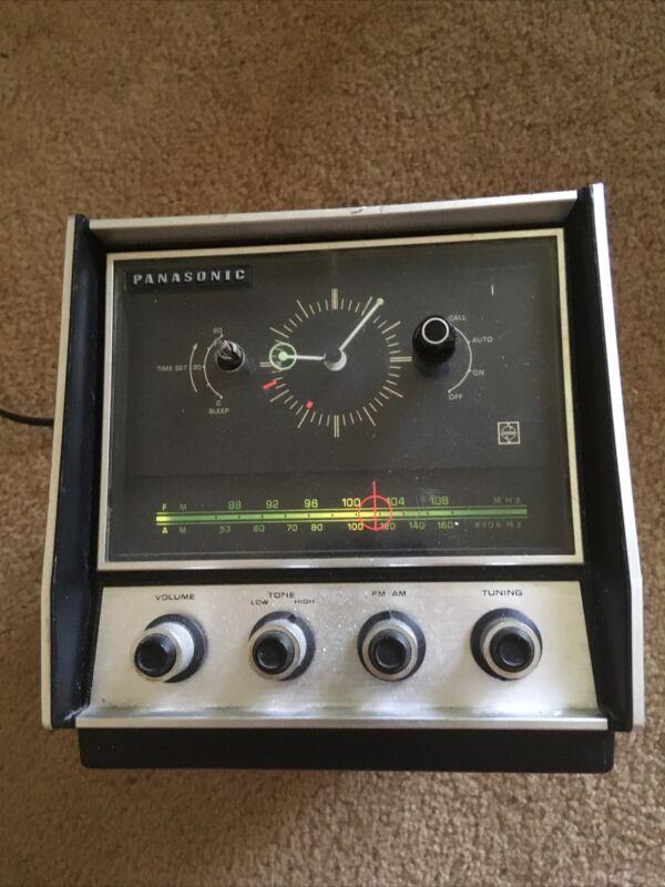 Vintage Panasonic RC 6900 AM-FM First Talking Radio Alarm Time Announcing Clock