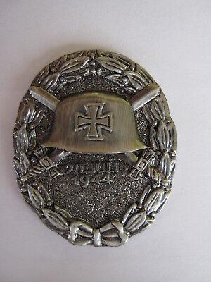 WH Verwundetenabzeichen Helm Schwert Eichenlaub EK 1944 Pin Wehrmacht WW2 WK2