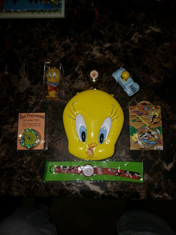 1998 Vintage Looney Tunes Tweety Bird tin case with Extras, Accessories, POGS