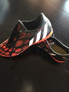 Indoor Men's soccer shoes - excellent condition