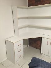Corner desk and hutch $70 Coal Point Lake Macquarie Area Preview