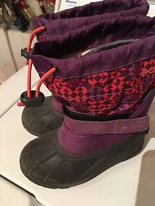 Girls Columbia boots 13