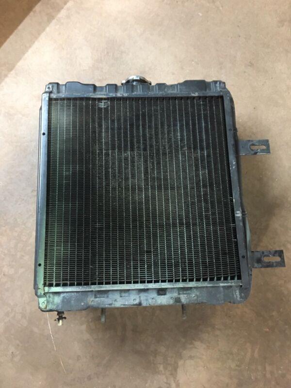 Tennant 528 Sweeper Radiator Kubota D1402 Diesel Scrubber Diesel Engine