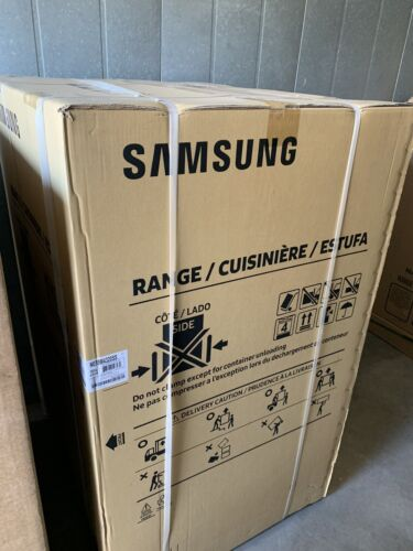 "SAMSUNG Freestanding Electric Range With Convection 30"" NE59"