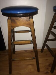 Cut legs bar stool