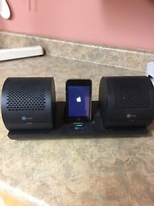 In studio wireless speakers comes with Apple iPod touch