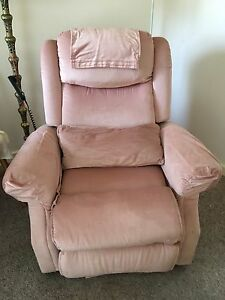 Recliner chair  Urgent must sell no offer refused Fairview Park Tea Tree Gully Area Preview