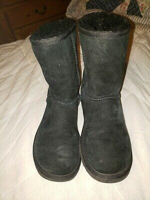 Uggs Australia classic short 5825 women black suede boots Size 6 (D9)
