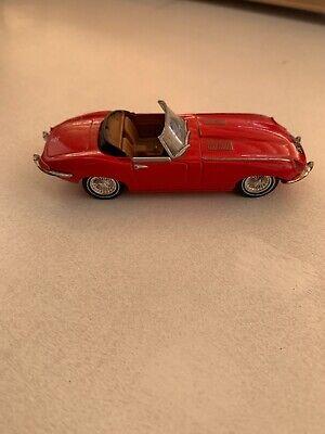 Dinky 1967 E Type Jaguar Cabriolet