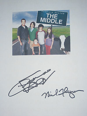 The Middle Signed TV Script Patricia Heaton Neil Flynn reprint Perfect Condition