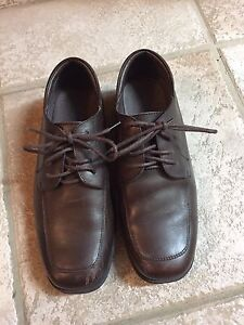Boy's dress shoes  size 2.5