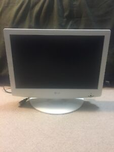 "LG 19"" TV/monitor"