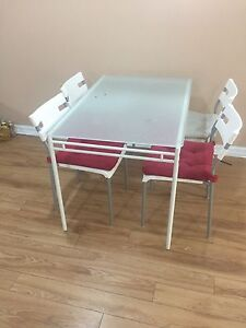 Dine table for sale