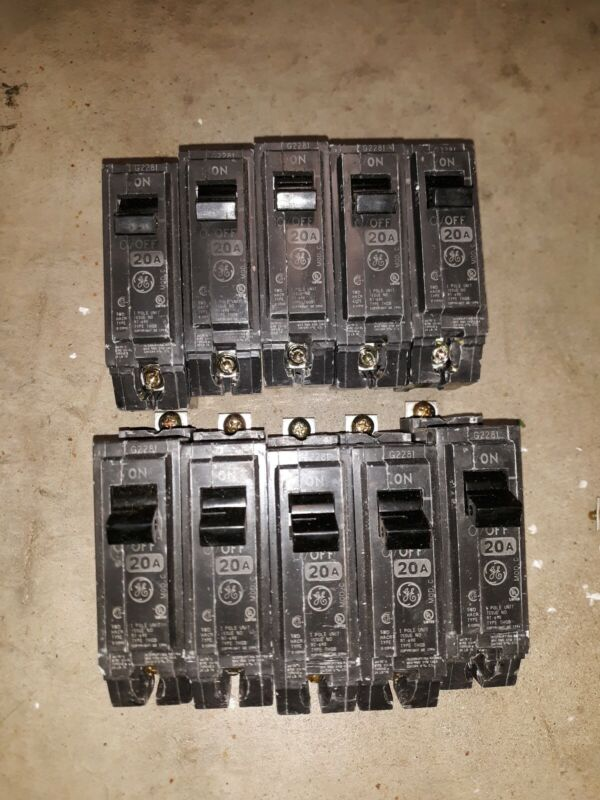 LOT OF 10 General Electric THQB1120 Circuit Breakers 1 Pole 20 Amp Bolt-on.