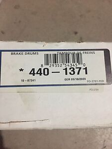 Brake drums and shoes brand new