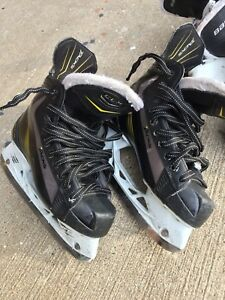 Youth Hockey Skates - Size 4D