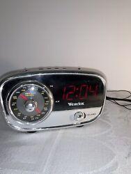 Retro Westclox 80193 Classic AM/FM Alarm Clock Radio With 3.5mm jack