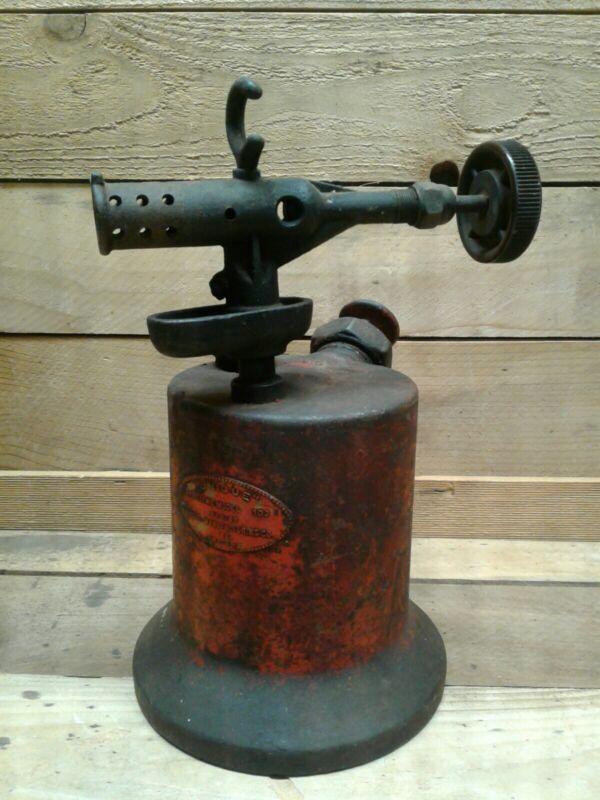 Vintage Unique Mfg. Co. Gasoline Model 103 Red Blow Torch