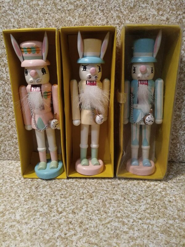 "Vintage Easter Bunny Rabbit Wooden Nutcracker Cotton Beard blue w/hearts 7"" 1995"
