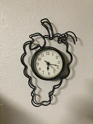 Metal Grape Shaped Wine Clock
