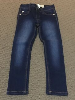 Girl Size 4 Guess Skinny Jeans - New without tags