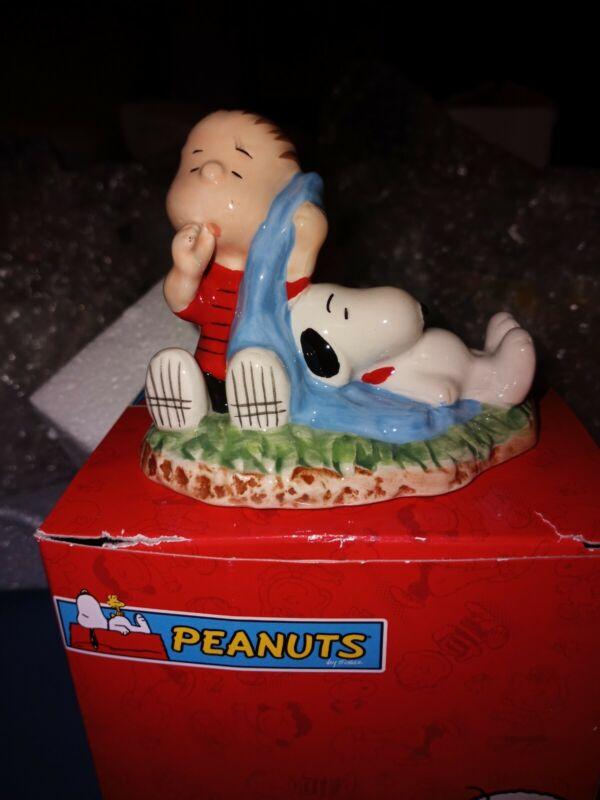 Westland Giftware Peanuts Linus and Snoopy Figurine 18230