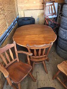 Set de cuisine bois 4 chaise et rallonge 100$