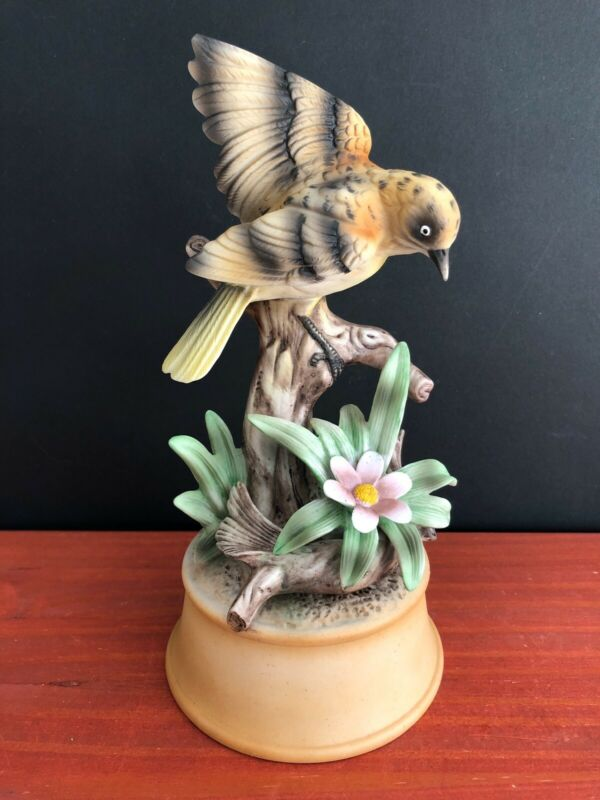 "VTG Shafford Porcelain Yellow Finch Bird Music Box, ""I Write The Songs"" Manilow"