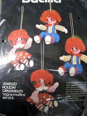 Bucilla Felt Applique Holiday Christmas ORNAMENT KIT,RAG A MUFFINS,Dolls,#48783