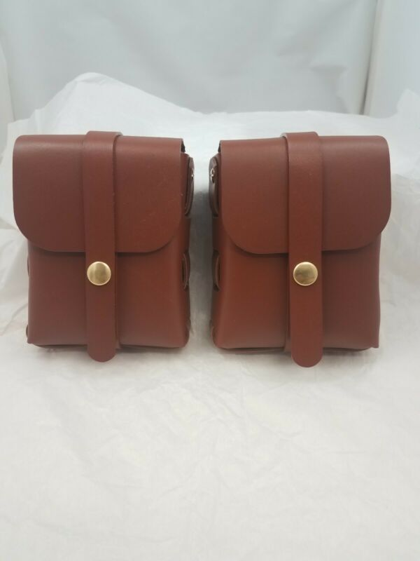 Brown leather belt pouch (one)