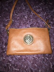 Brown purse barely used